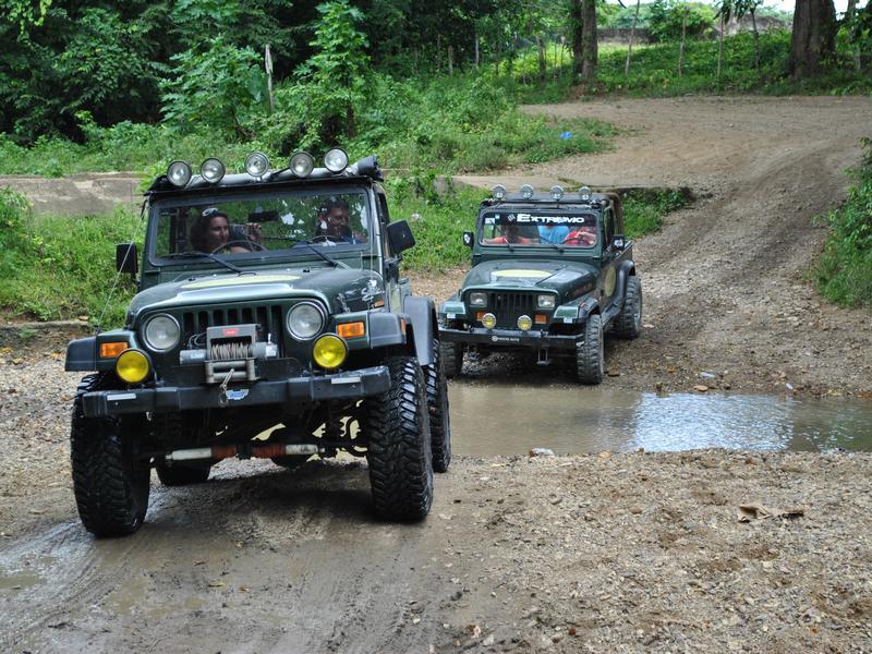 safari jeep for rent in uganda